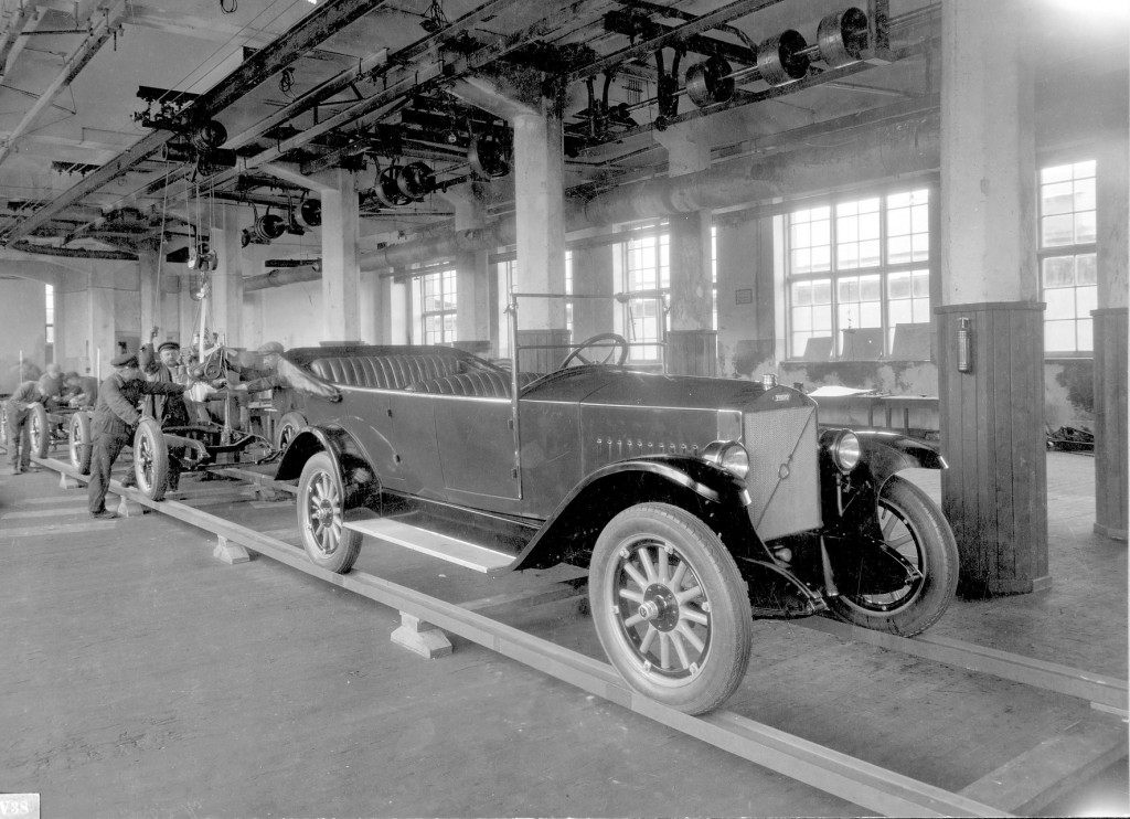 The Volvo ÖV4 in production