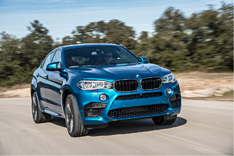 P90172943_highRes_the-new-bmw-x6-m-on-
