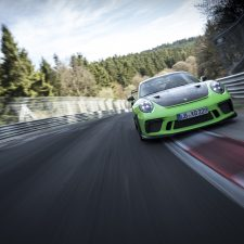 "Novo 911 GT3 RS registra volta de 6:56.4 minutos no ""Inferno Verde"""