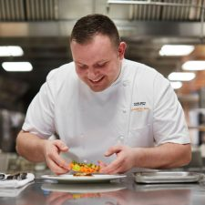 Chef Adam Smith planeja eventos exclusivos no Coworth Park